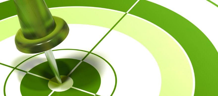dardo acertando no meio do alvo na cor verde